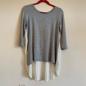 Sweaters - 3/$30 Grey & White Chiffon Ruffle Back Sweater - M